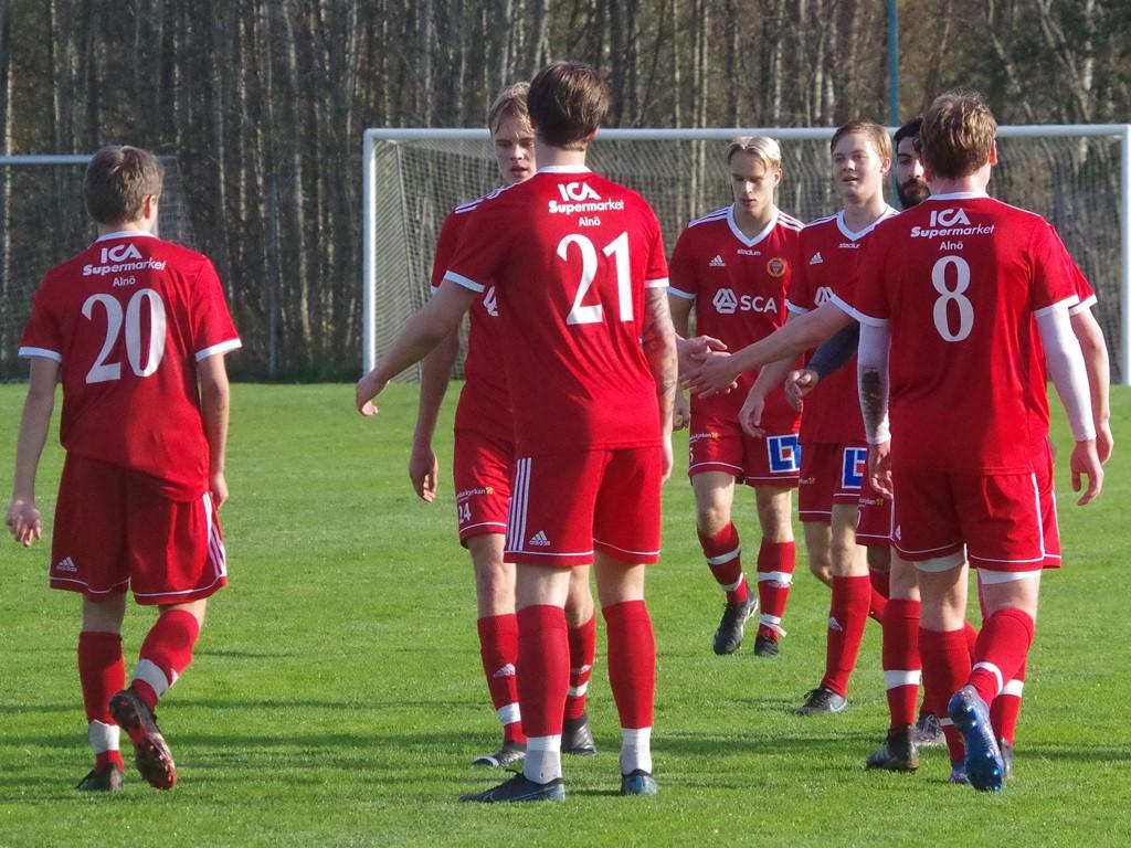 Alnöjubel efter 1-0-målet.