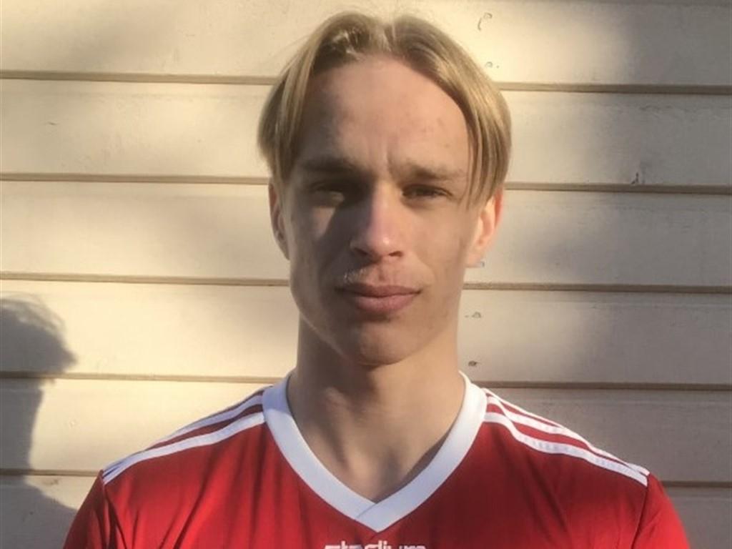 Jonathan Marklund nickade in Alnös segermål i slutminuterna.